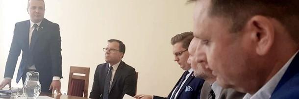 Rozpoczęło się spotkanie Komitetu Protestacyjnego w urzędzie wojewódzkim