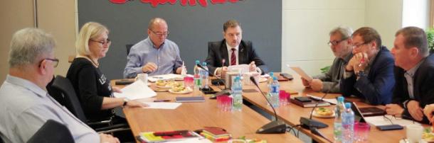 Rząd zmierza do otwartego konfliktu - żądamy dialogu i konsultacji